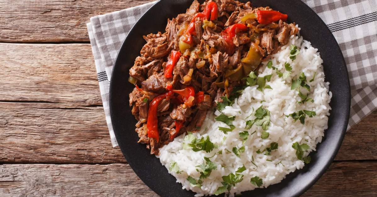 Slow Cooker Beef Machaca - Slender Kitchen