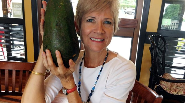 World Record Breaking Avocado Weighs a Whopping 2....
