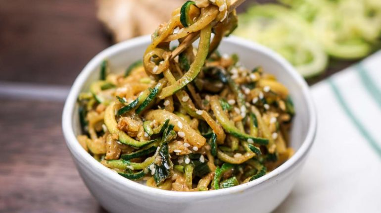 Asian Zucchini Noodles - Slender Kitchen